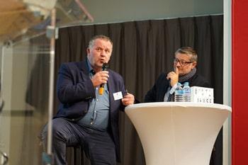 A gauche, Stéphane Perrin, Maire de Stenay et fondateur de la Pépinière d'entreprises SMD. A droite, Julien Didry, Vice-Président de la Communauté d'Agglomération du Grand Verdun en charge du Numérique