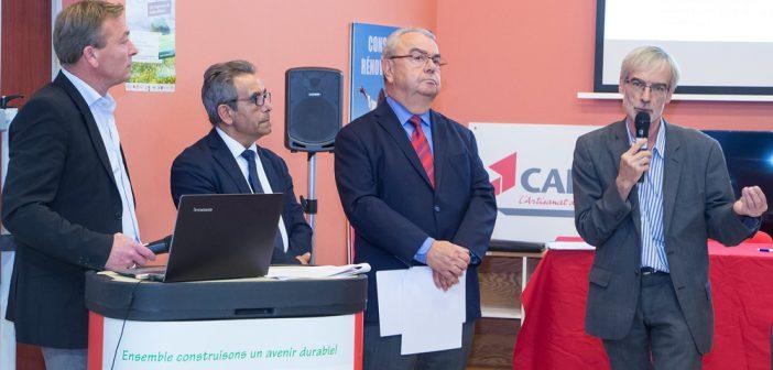 De gauche à droite : David Raoul et Dominique Gaspard, secrétaire général et Président de la CAPEB de la Meuse, Bernard Delvert, représentant de Communauté d'Agglomération de Bar-le-Duc et Patrick Leseck, chef de projet du programme EDF «En Meuse et en Haute Marne, ensemble économisons l'énergie»