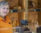 L'interview vérité : 10 questions à  Joanna Leturc,  responsable magasin de la boulangerie de Bras